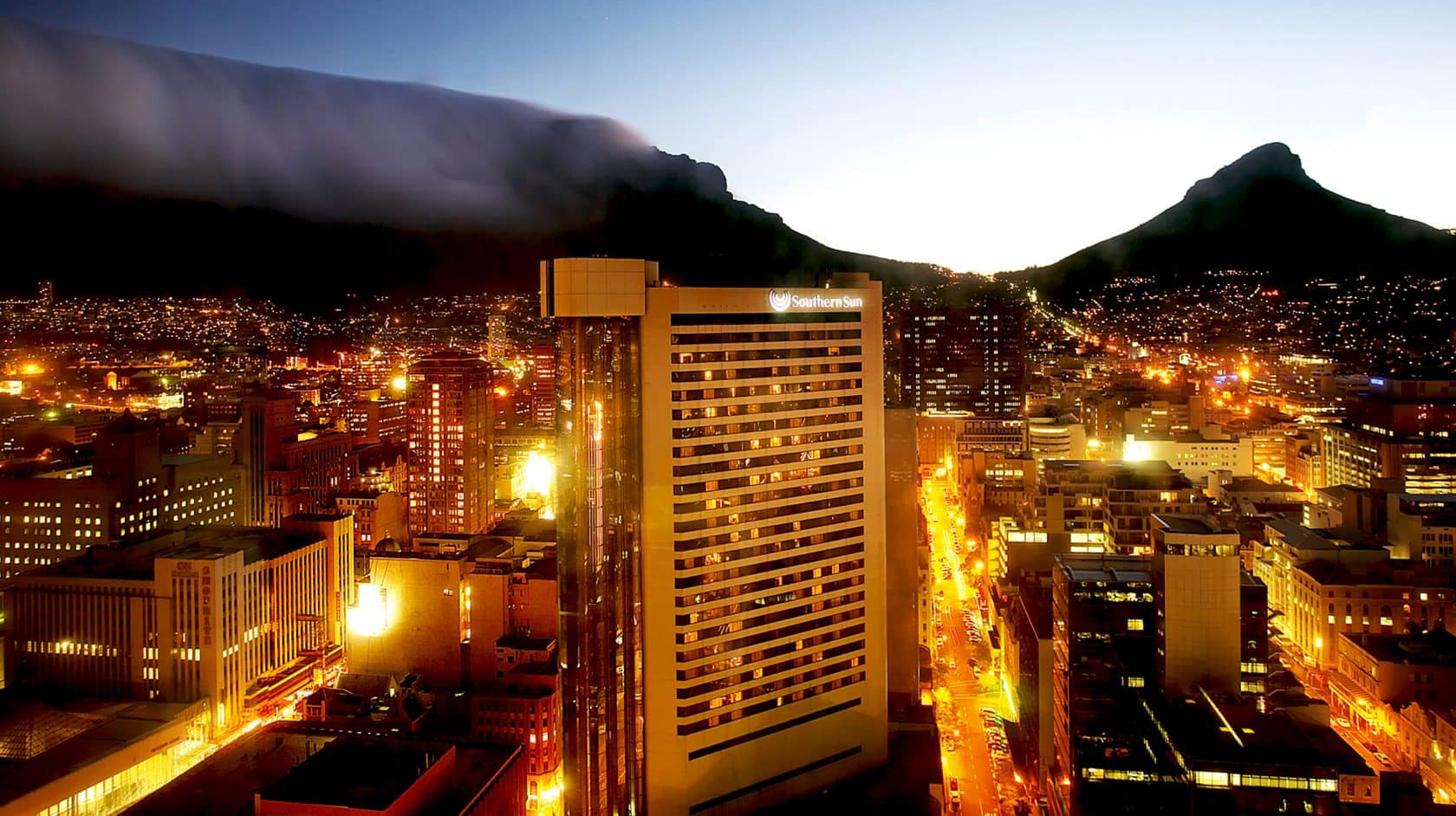 This Southern Sun Hotel Has A Brilliant Central Location In Cape Town Providing Luxury Accommodation Within Walking Distance Of All Major Tourist