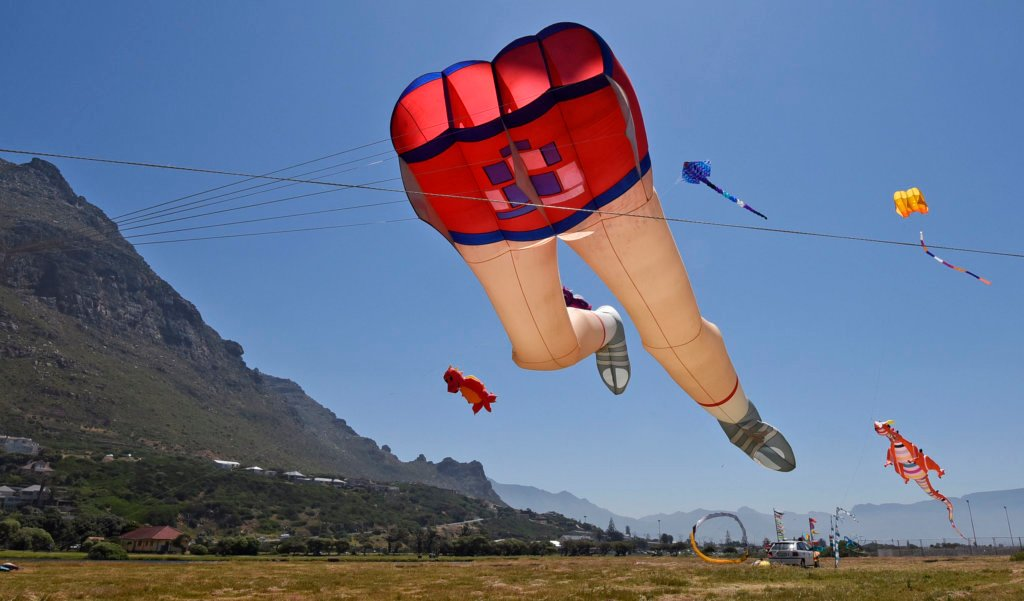CTKiteFest 2018 - Martin Lester's legs (pic credit Brenton Geach, Cape Mental Health)