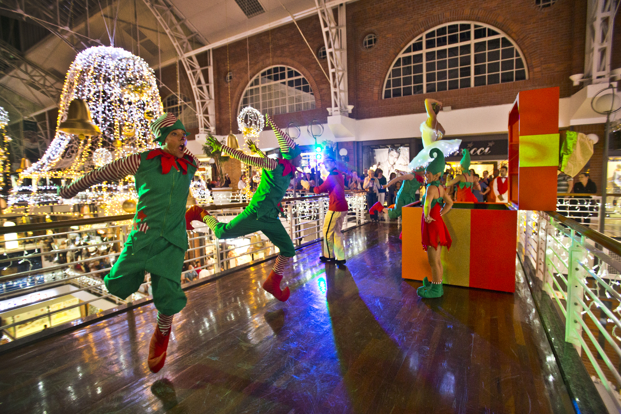 Christmas Magic Show at the Waterfront