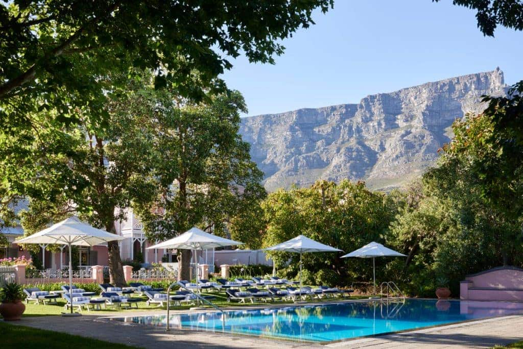 Cottages and Table Mountain view_Belmond Mount Nelson