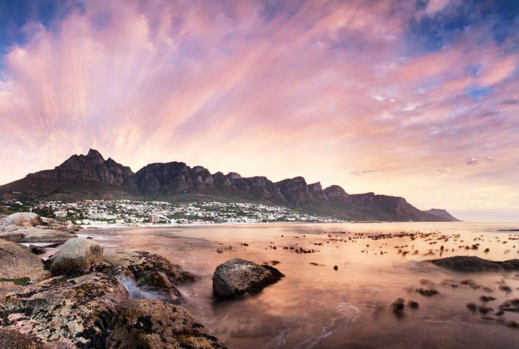 12_Apostles_with_ocean_At_sunset