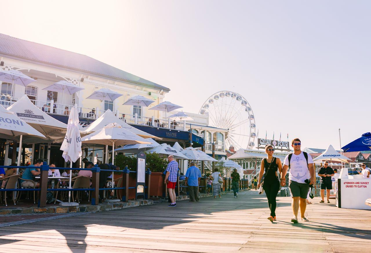V&A Waterfront: The Official Guide