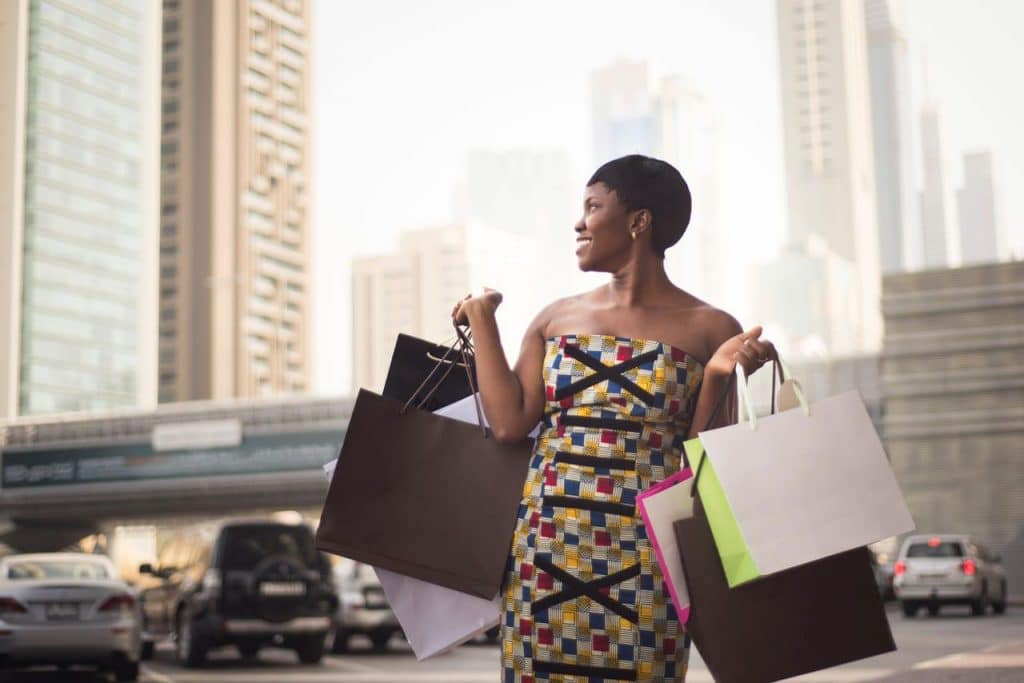 hello_weekend_woman_shopping_in_cape_town_city_istock