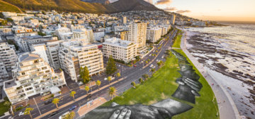 'Beyond Walls': Largest human chain in the world crosses Cape Town